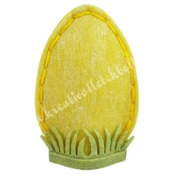 Filc sárga tojás fűben