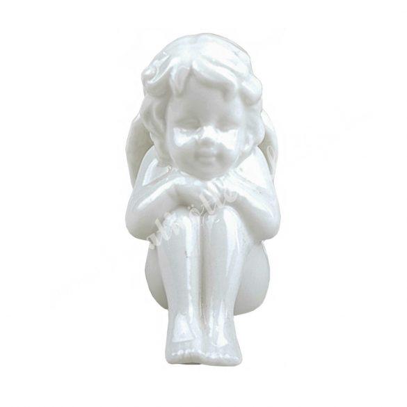 Porcelán angyal, ülő