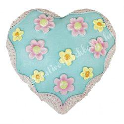 Polyresin szív, színes virágokkal, 9x3 cm