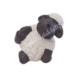 Oldalra támaszkodó bárány, 7x6,5 cm