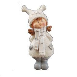 Kislány baglyos sapkában, fehér