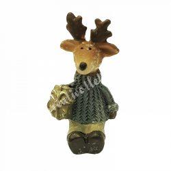 Ülő szarvas, szürke pulóverben