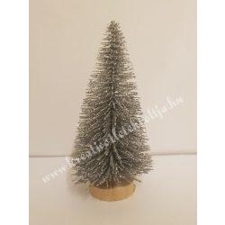 Ezüst mini fenyőfa, glitteres, fa talpon, 8 cm