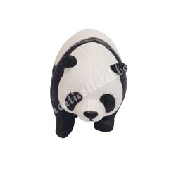 Kicsi sétáló panda