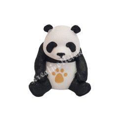 Kicsi ülő panda