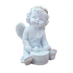 Polyresin ülő angyal, dobbal, 3,3x4,5 cm