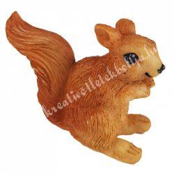 Polyresin mókus, 5x4 cm