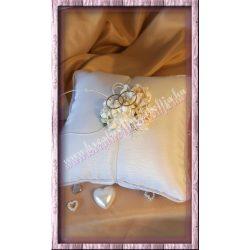 Gyűrűpárna, fehér színű, 15,5x14 cm
