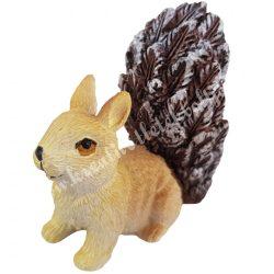 Polyresin mókus szembenéző, barna, 7,5x7,5 cm