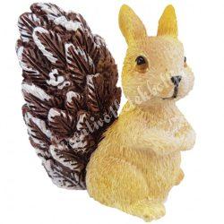 Polyresin ülő mókus, barna, 6x7,5 cm