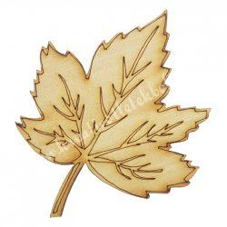 Fafigura, juharlevél, 3,5x4,5 cm