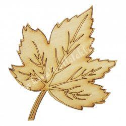 Fafigura, juharlevél, 7x9 cm