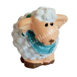 Fehér bárány kék kendővel, 2x3 cm