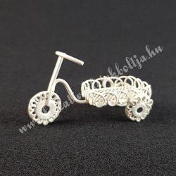 Fém bicikli, törtfehér
