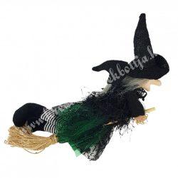 Akasztós boszi seprűn, zöld ruhában, 23x19 cm