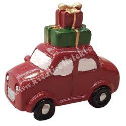 Polyresin piros autó, csomagokkal, 5,5x3x5,2 cm