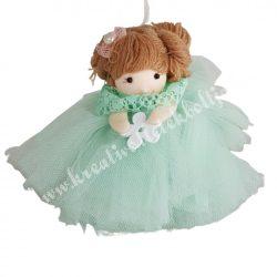 Akasztós tüll ruhás kislány, zöld, 13x12 cm