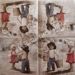 Szalvéta, gyerekmintás, gyerekek vödrökkel, 33x33 cm (13)