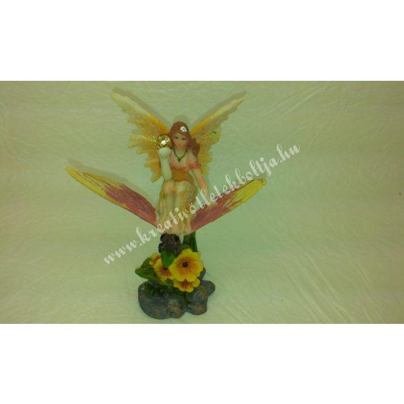 Tündér, sárga, virággal, pillangóval, shamballa gömbbel, 10x9x6cm