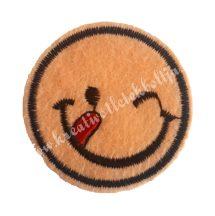Vasalható matrica, Smiley, Barack színű, Kacsintós, Nyelves, 45mm